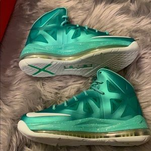 """Lebron X GS """"Easter"""" NEVER BEEN WORN‼️"""